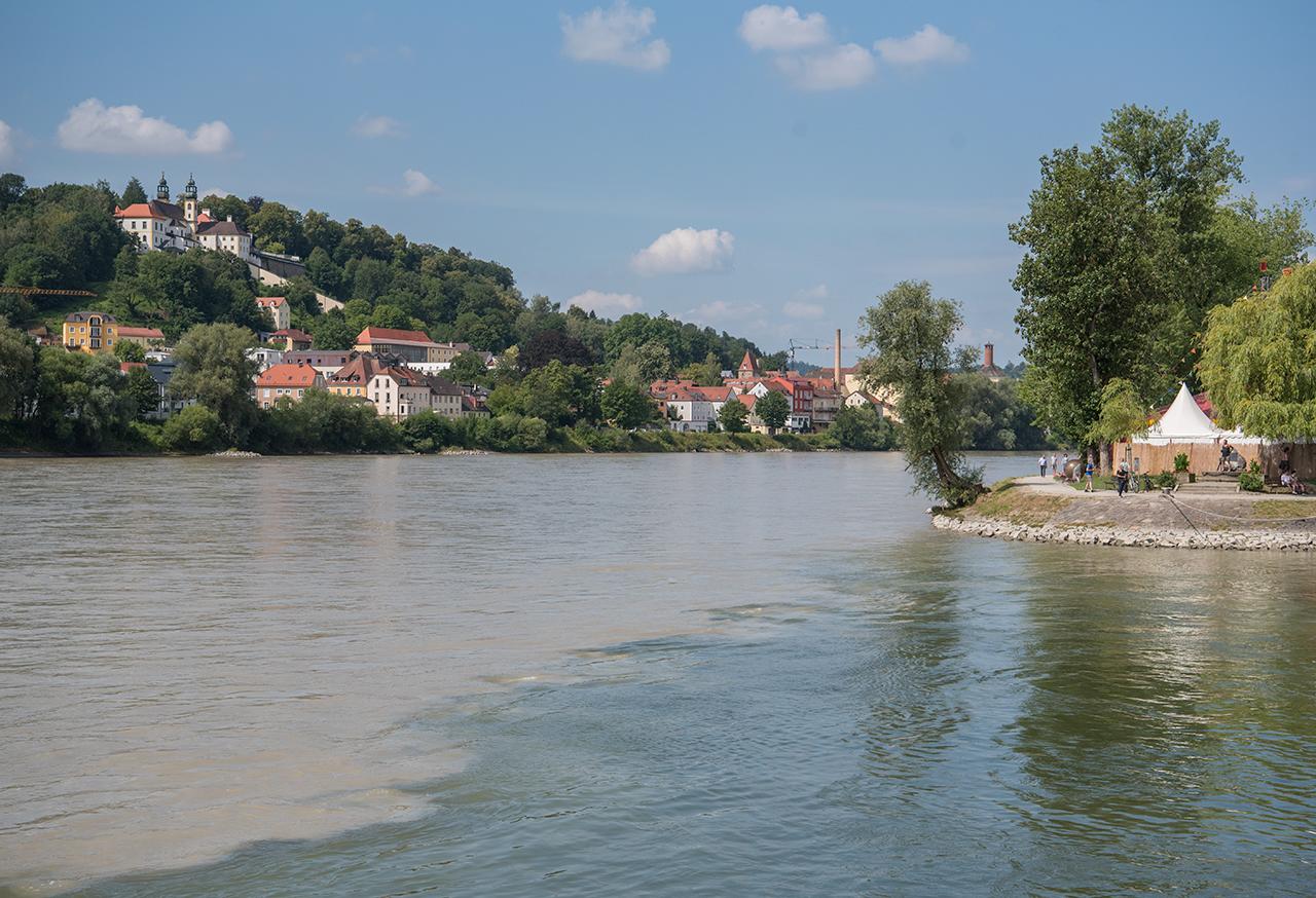 I Passau møtes Inn, til venstre, Donau og Ilz - helt til høyre.