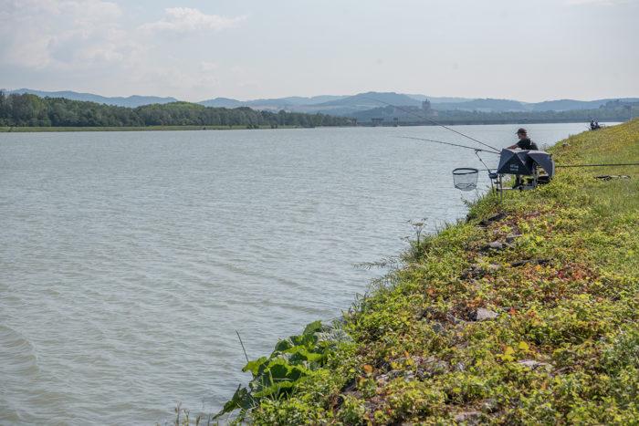 Like vest for Melk i Østerrike er Donau grå, ikke blå