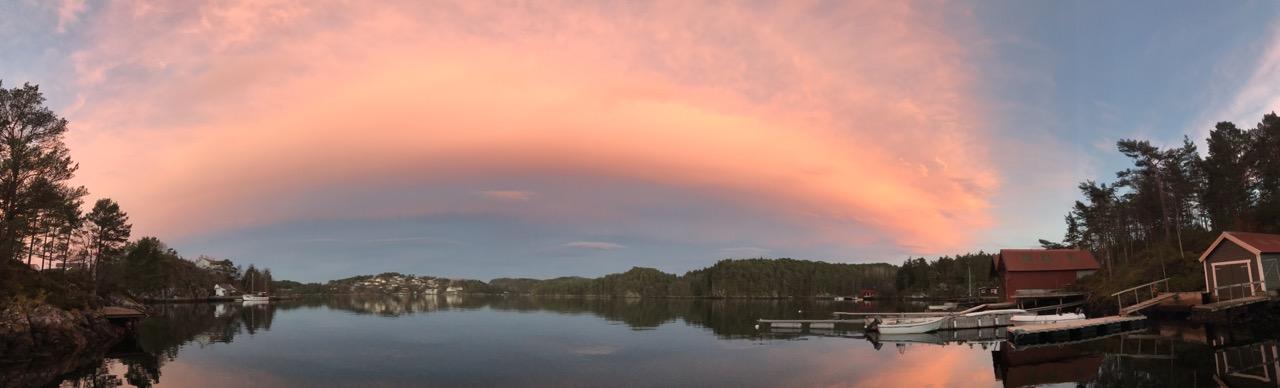 Nydelig solnedgang på Milde like sør for Bergen 7. november.